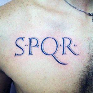 Scritta tatuaggio SPRQR