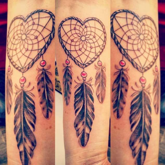 Tatuaggio acchiappasogni colorato e completo