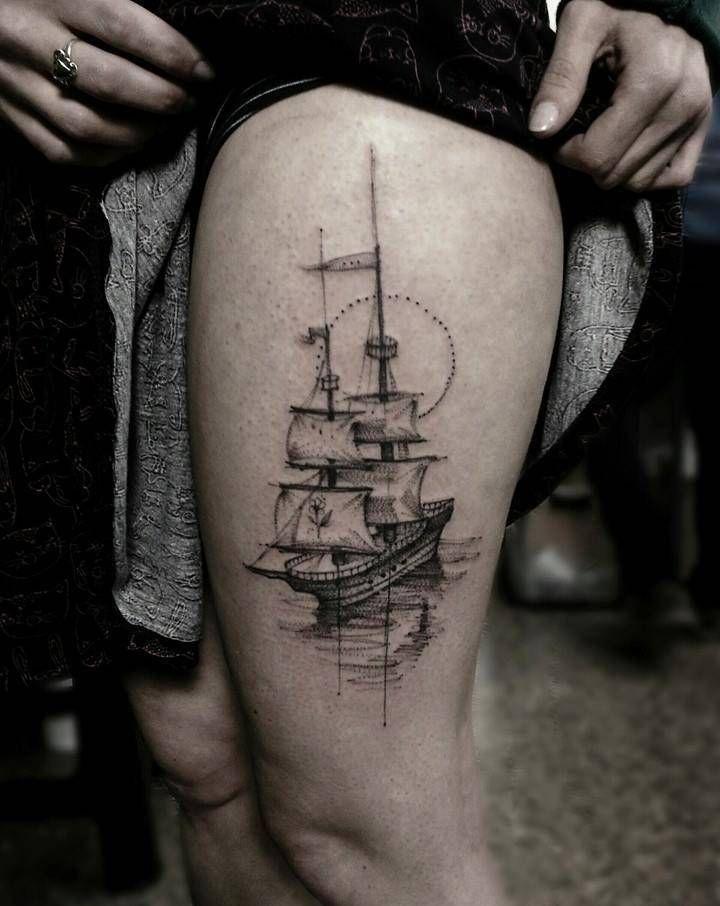 Tatuaggio Tattoo Veliero Coscia