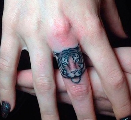Tatuaggio tattoo tigre piccolo anello