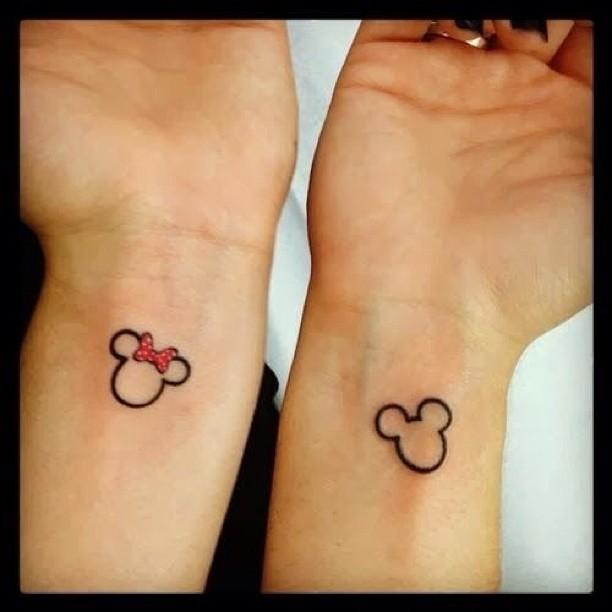 tatuaggio di coppia minnie e topolino