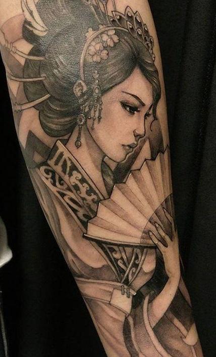 Tatuaggio Geisha Tattoo Significato Bianco e Nero