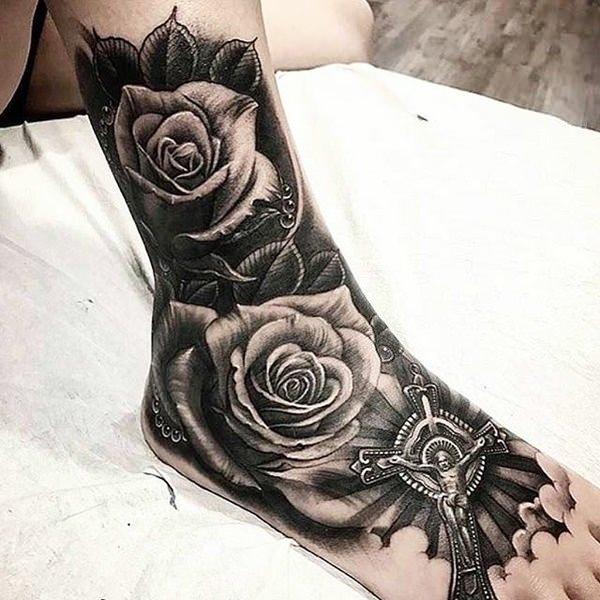 Tatuaggio Tattoo Caviglia Uomo rosa nera