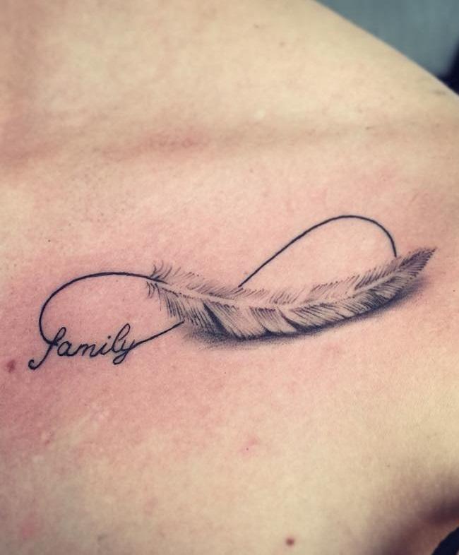 Tatuaggio piuma tattoo infinito