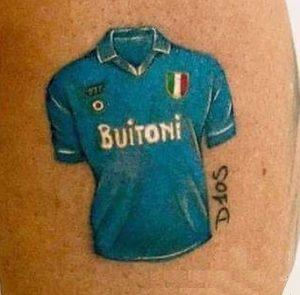 Tatuaggio tattoo Napoli calcio maglia