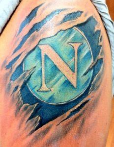 Tatuaggio tattoo Napoli calcio stemma