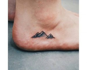 tatuaggi sui piedi