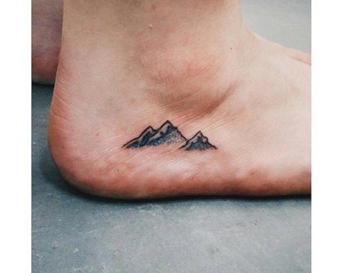 Tatuaggi sui piedi per uomo e donna idee con foto e consigli for Tatuaggi sul piede uomo
