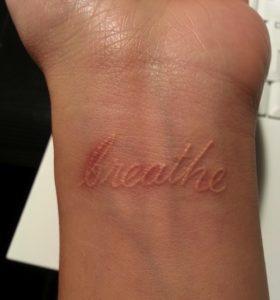 Tatuaggio Tattoo Bianco Breathe