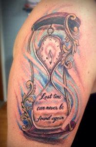 Tatuaggio Tattoo Clessidra tempo che passa