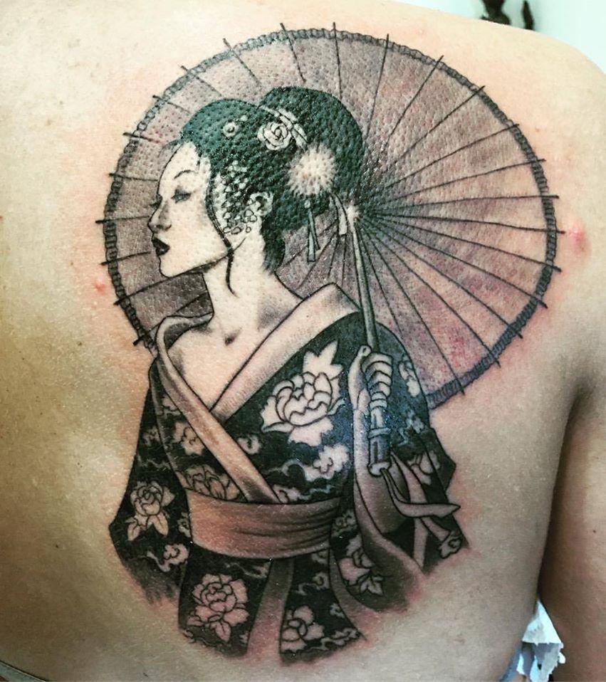 Tattoo Tatuaggio Geisha Schiena