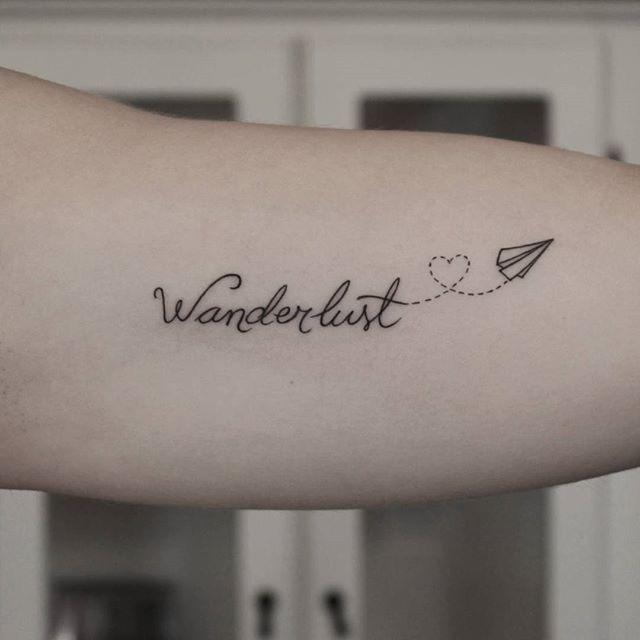 Tatuaggio Tattoo Aereo Scritta Wanderlust