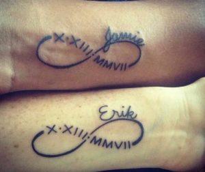 Tatuaggio tattoo infinito con nome coppia amore