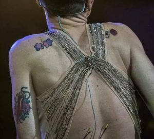 Tatuaggi Tattoo Alessandra Amoroso pezzi lego e puzzle