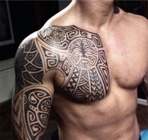 Tatuaggio Tattoo Celtico Petto