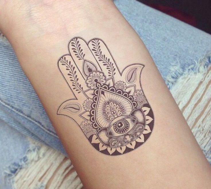 Tatuaggio Tattoo Mano di Fatima bianco e nero