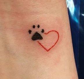 Tatuaggio Tatto Cane Zampe e Cuore