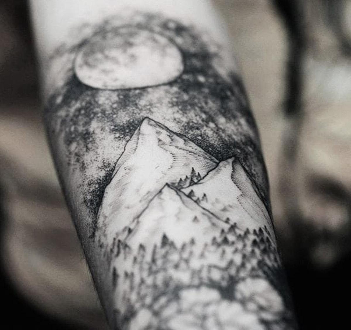 Tatuaggio Tattoo Montagna Cielo