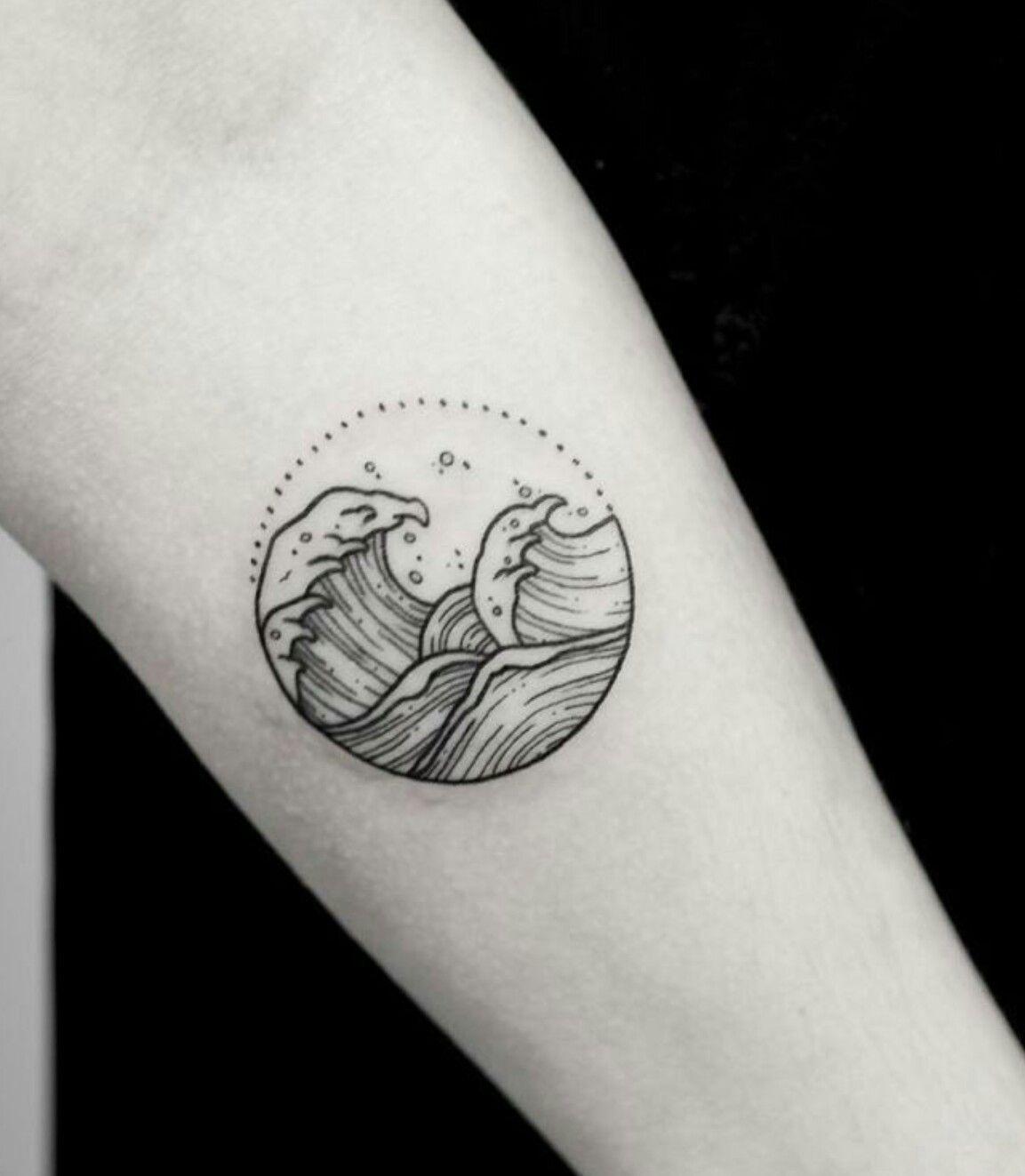Tatuaggio Tattoo Onda Bianco e Nero