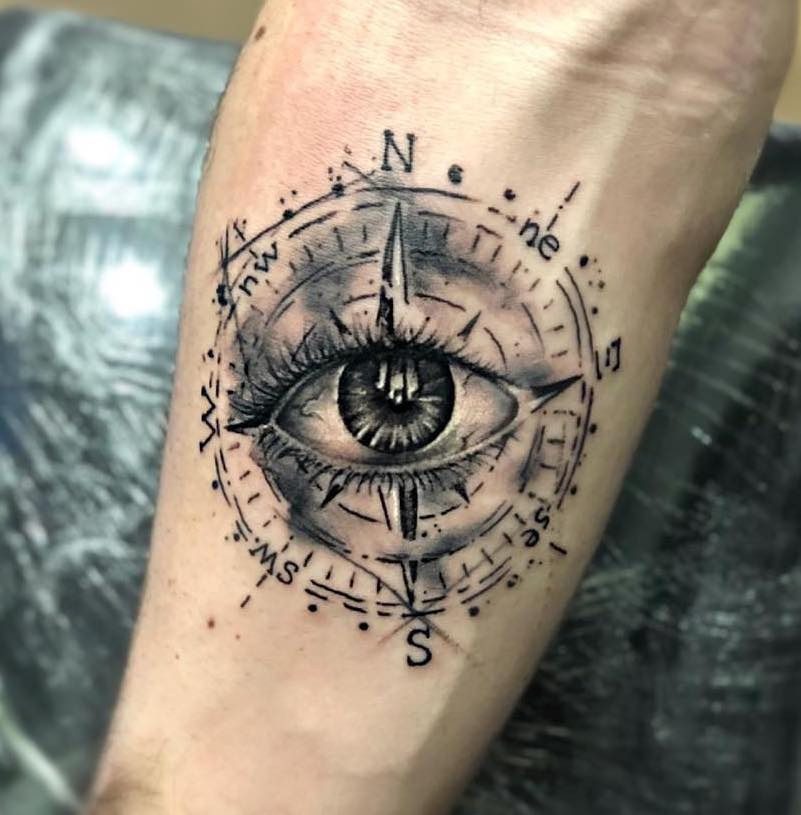 Tatuaggio Tattoo Occhio Gomito