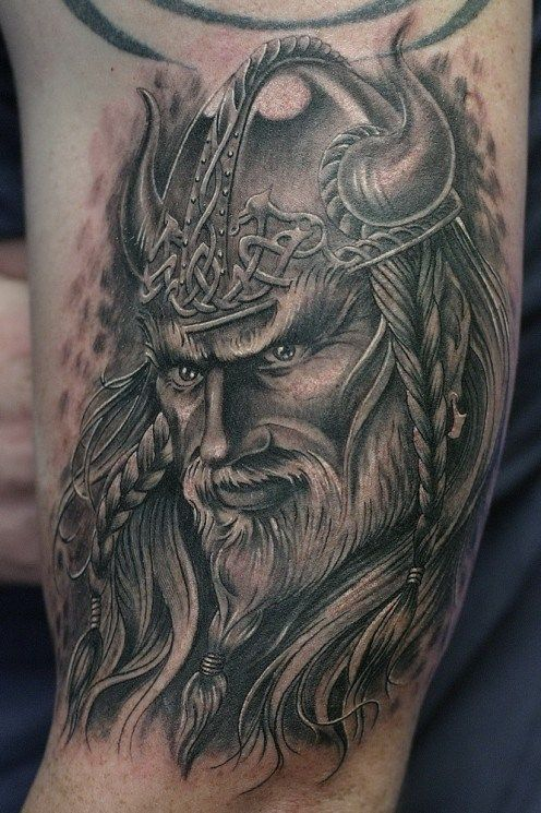Tatuaggio Tattoo Vichingo Faccia